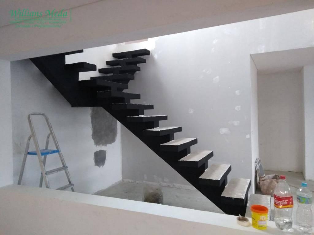 Sobrado com 3 dormitórios à venda, 250 m² por R$ 750.000 - Rosa Helena - Igaratá/SP