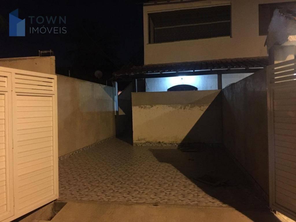 Casa com 3 dormitórios para alugar, 150 m² por R$ 1.900/mês - Itaipu - Niterói/RJ