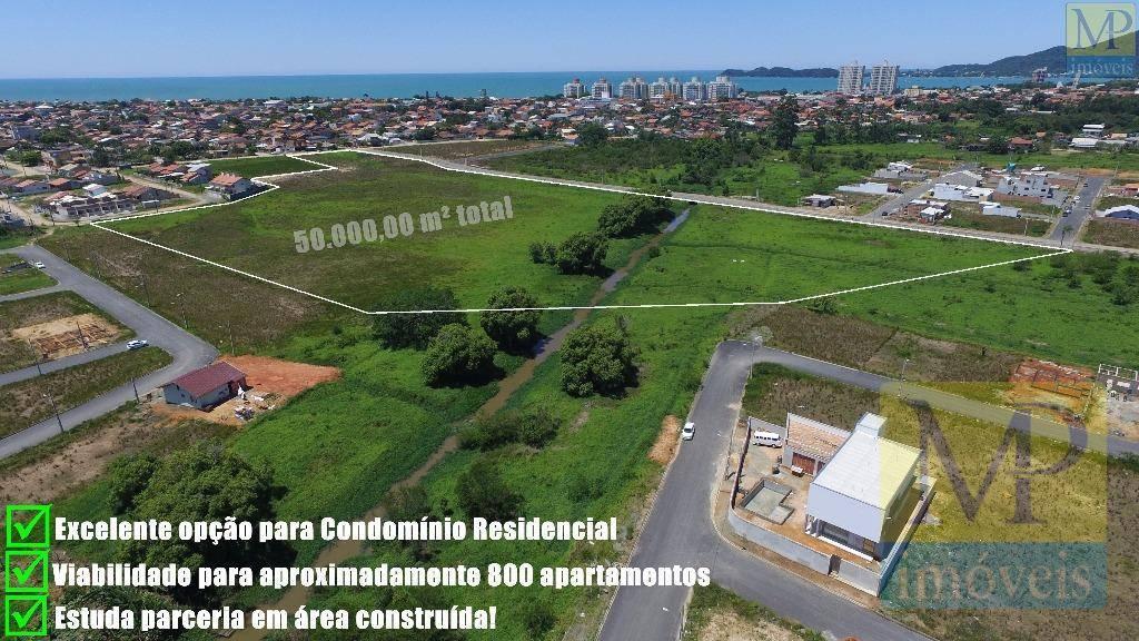 Área  residencial, Centro, Penha.