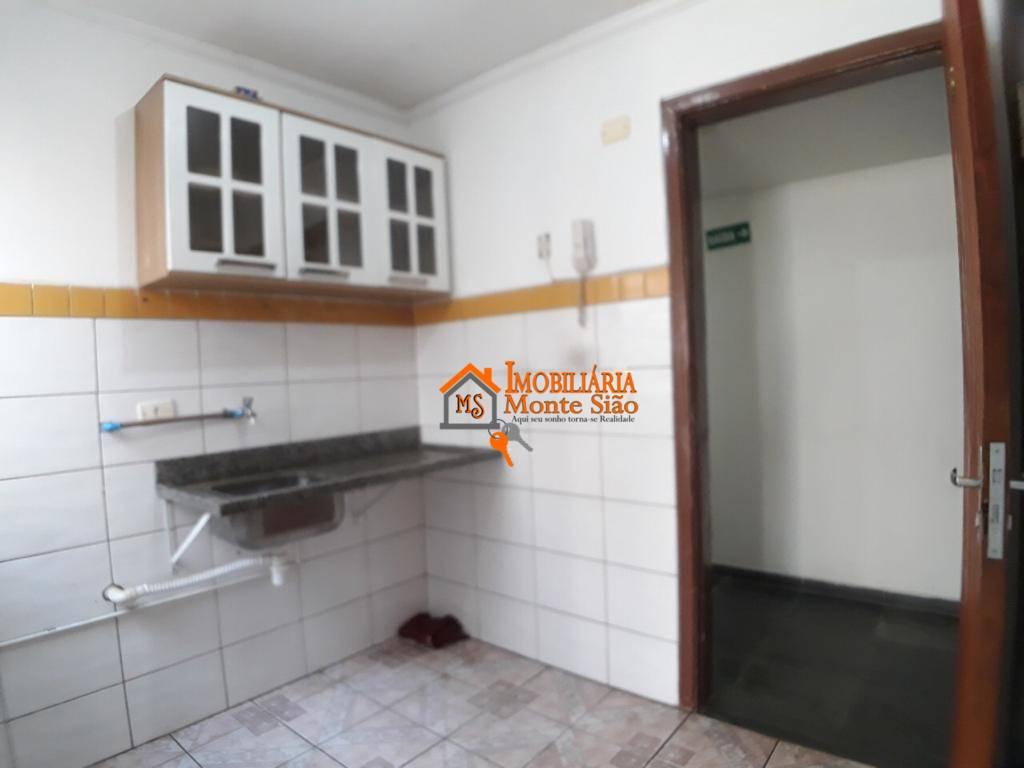 Kitnet com 1 dormitório para alugar, 32 m² por R$ 825,00/mês - Jardim Santa Mena - Guarulhos/SP