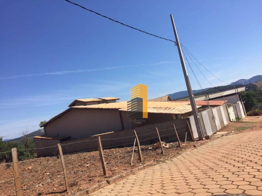 3 Casas residenciais à venda, santa barbara, Piranguinho.