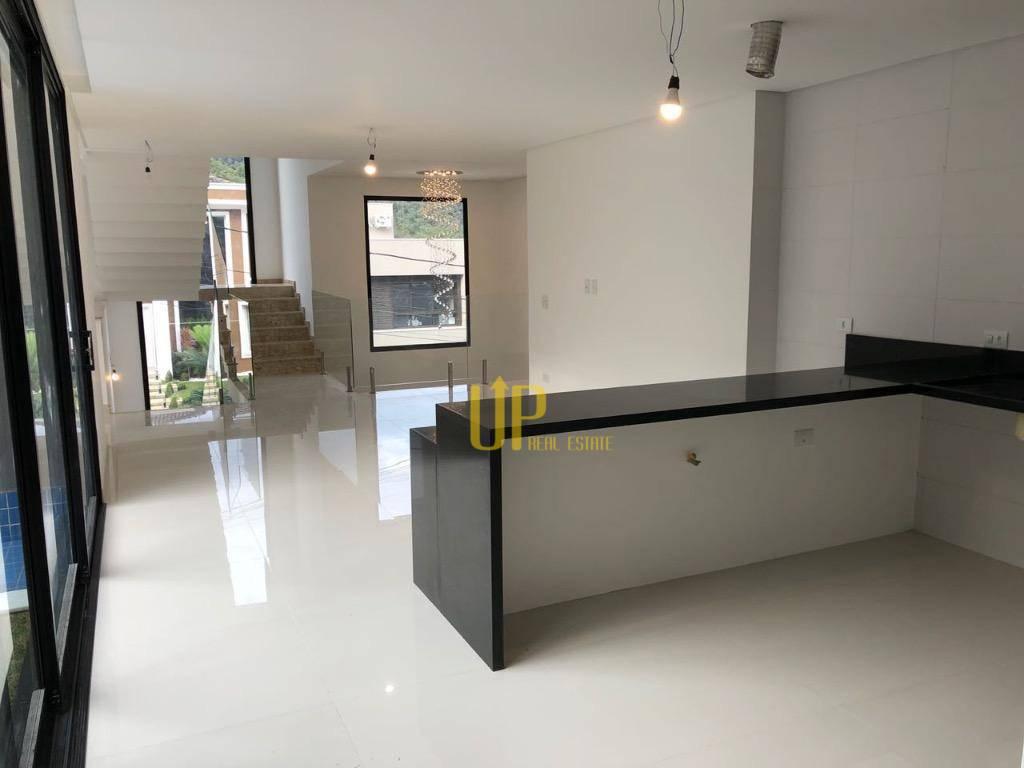 Casa com 4 dormitórios à venda, 340 m² por R$ 1.980.000,00 - Tamboré - Santana de Parnaíba/SP