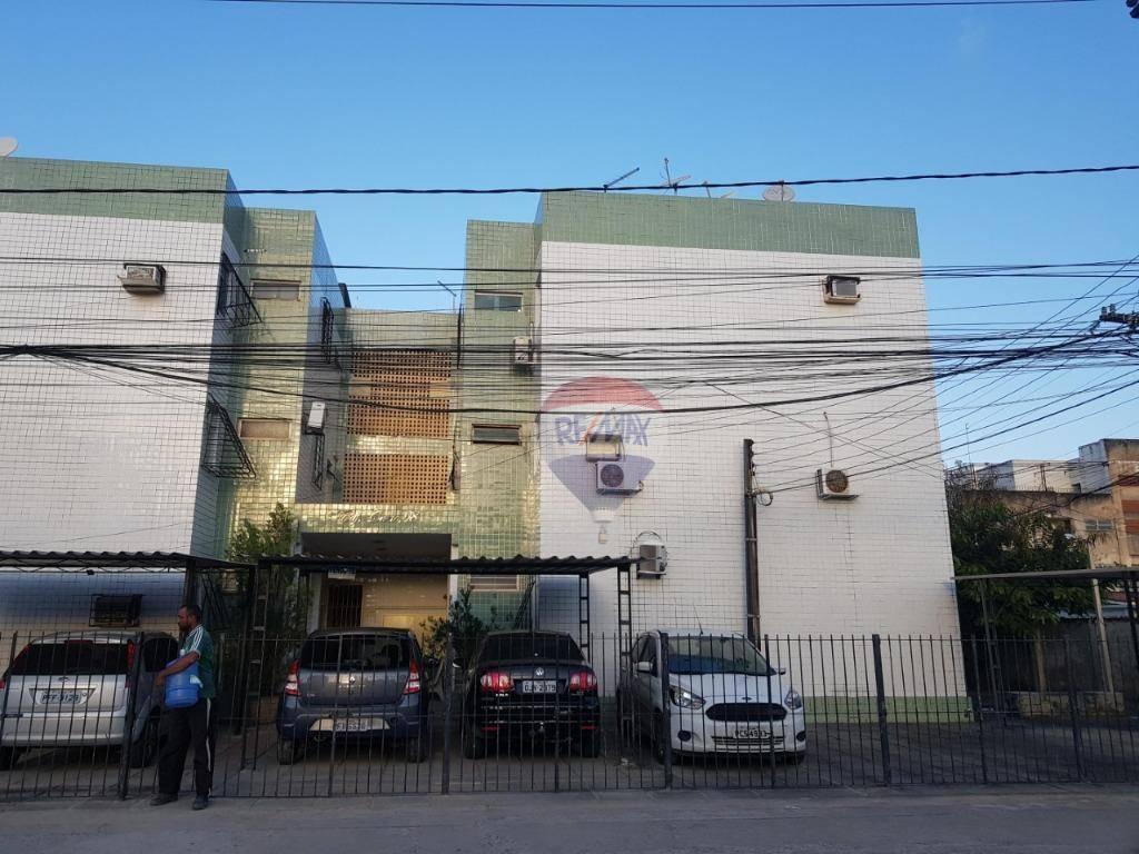 Apartamento com 3 dormitórios à venda, 70 m² por R$ 150.000 - Casa Caiada - Olinda/PE