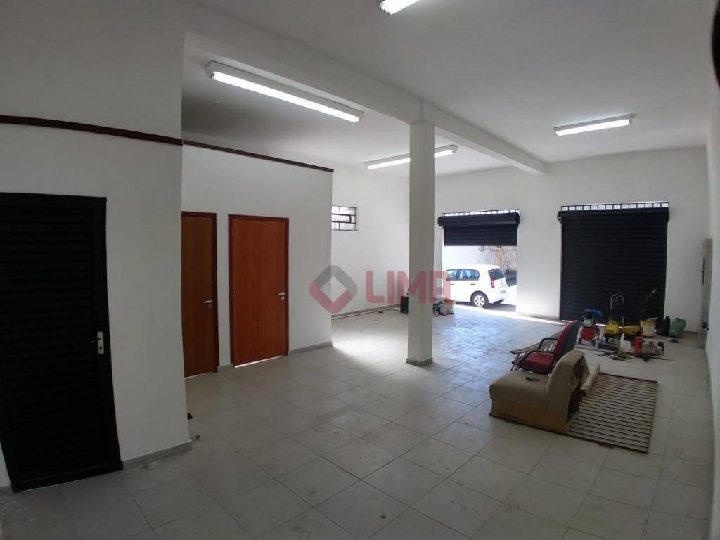 salão comercial com localização privilegiada, favorecendo divulgação comercial devido ao grande fluxo de pessoas e carros,...