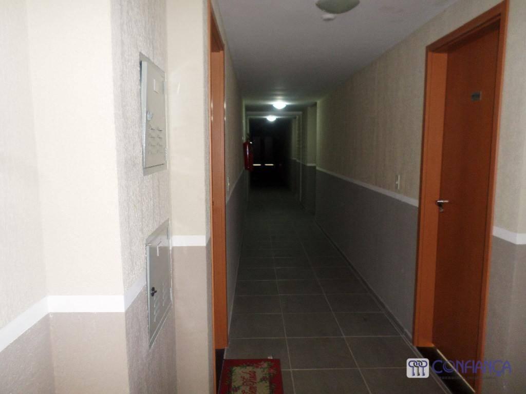 Apartamento com 2 dormitórios para alugar, 56 m² por R$ 800/mês - Campo Grande - Rio de Janeiro/RJ