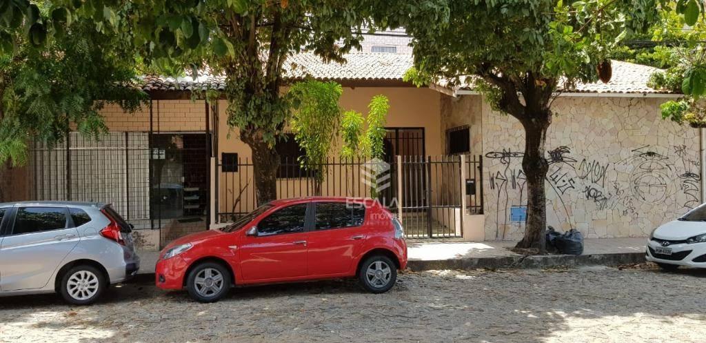 Casa plana com 3 quartos à venda, 272 m², a 300m da avenida, 2 vagas, financia - Aldeota - Fortaleza/CE