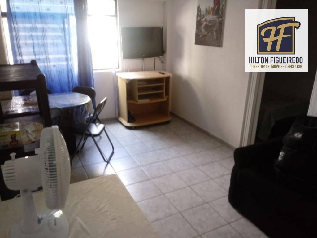 Alugo flat nas imediações do Mag shopping, Beira mar. 40 m² de área. R$ 1200