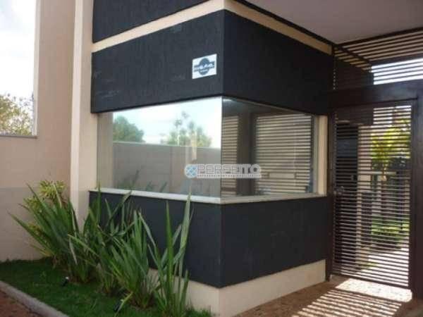 Casa à venda no Jardim Jockey Club em Londrina com 3 dormitórios, 119 m² por R$ 420.000