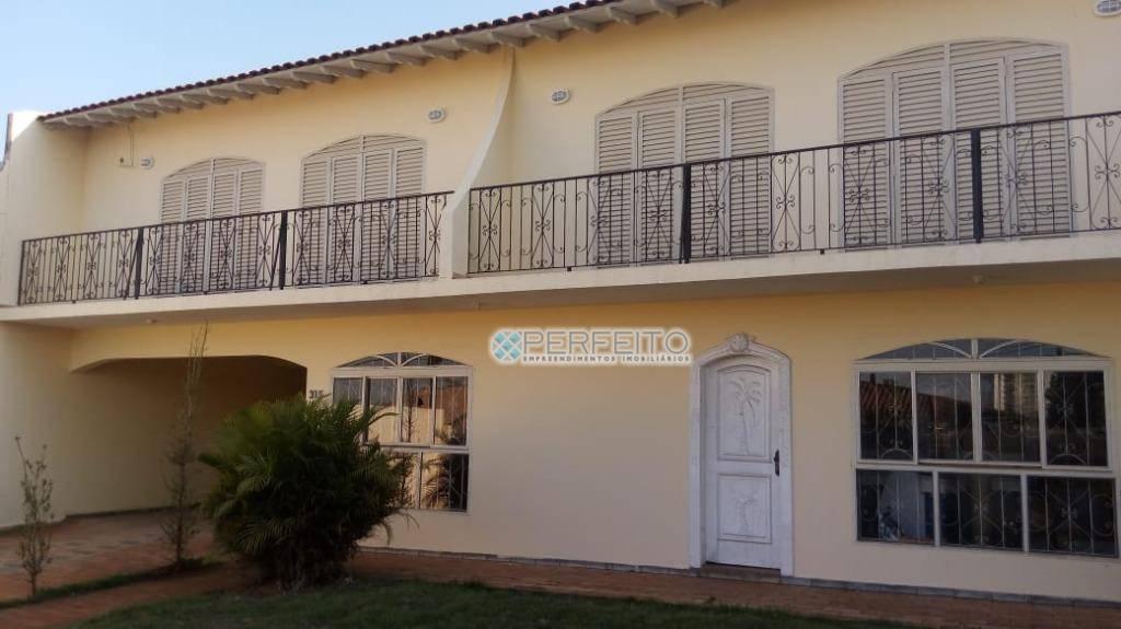Casa à venda em Londrina no Parque Residencial Alcântara com 3 dormitórios, 298 m² por R$ 650.000