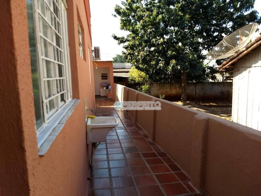 Casa para alugar em Londrina no Jardim das Américas com 3 dormitórios, 130 m² por R$ 1.800/mês