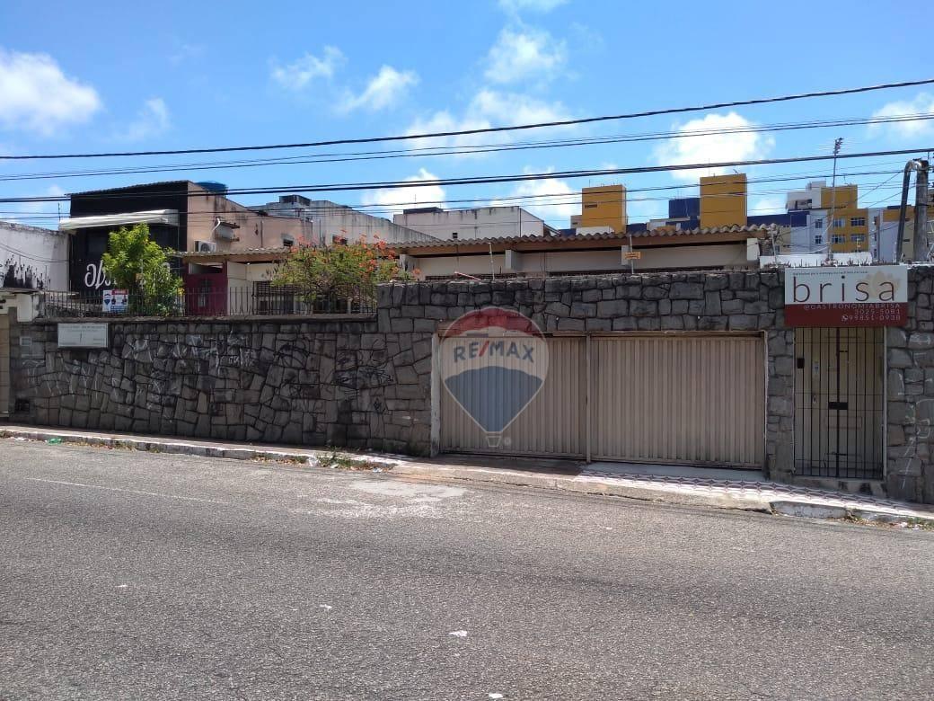 Imóvel a venda na Av. Bernardo Vieira. Próximo ao IFRN.