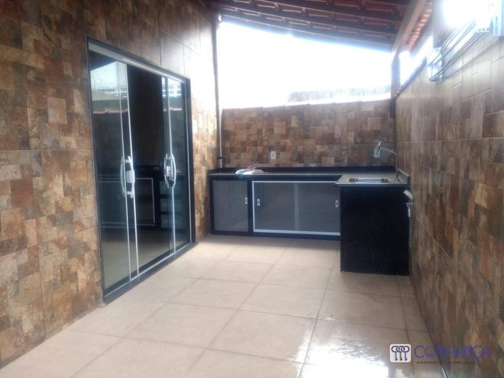 Casa com 3 dormitórios para alugar, 170 m² por R$ 3.000/mês - Campo Grande - Rio de Janeiro/RJ