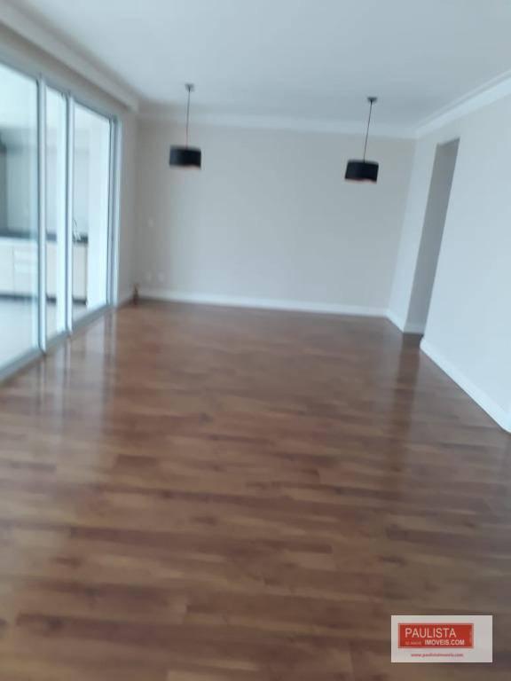 lindo apto decorado para locaçaõ 04 dormitorios sendo 03 suites 222m uteis, 04 vagas + deposito,...