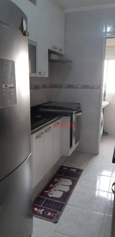 Apartamento com 3 dormitórios à venda, 66 m² por R$ 290.000 - Utinga - Santo André/SP