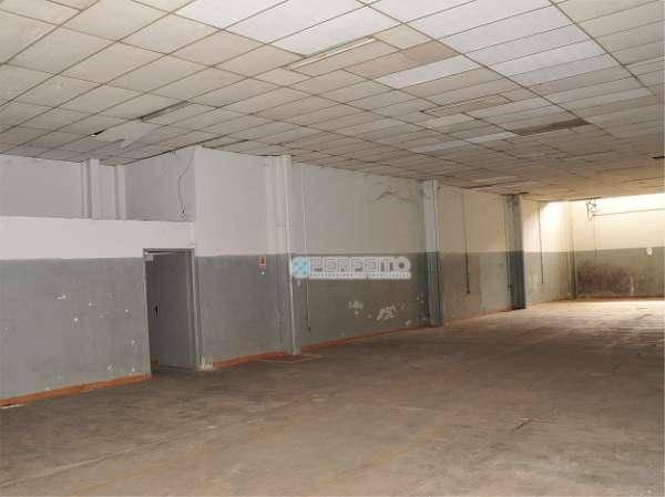 Barracão para alugar, 568 m² por R$ 7.500,00/mês - Rodocentro - Londrina/PR