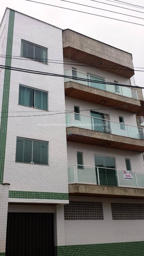 Apartamento com 2 dormitórios para alugar, 70 m² por R$ 850/mês - Teixeiras - Juiz de Fora/MG