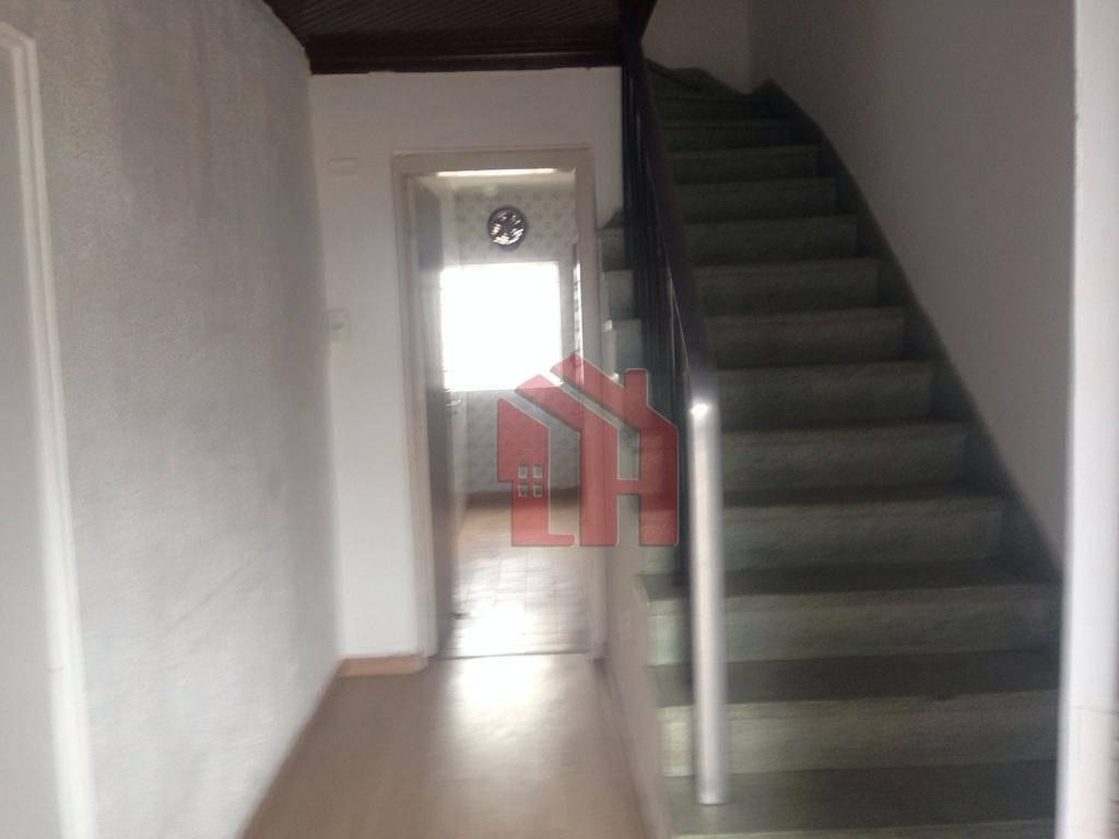 Sobrado com 90m2,  2 dormitórios, 2 banheiros para alugar por R$ 2.000,00/mês - Vila Belmiro - Santos/SP