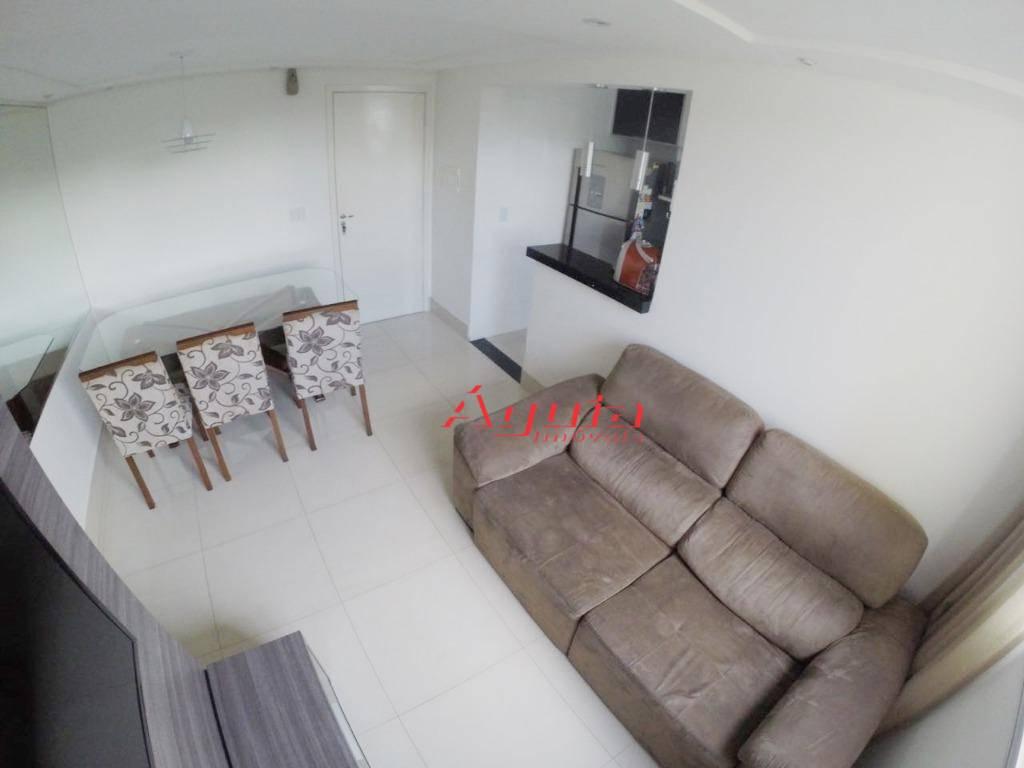 Apartamento com 2 dormitórios à venda, 49 m² por R$ 245.000 - Parque São Vicente - Mauá/SP