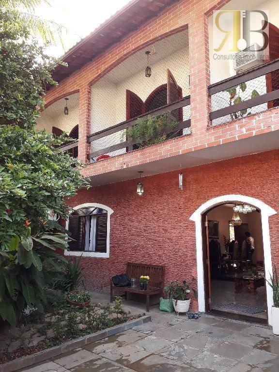 Ótima casa em ponto nobre do Anil