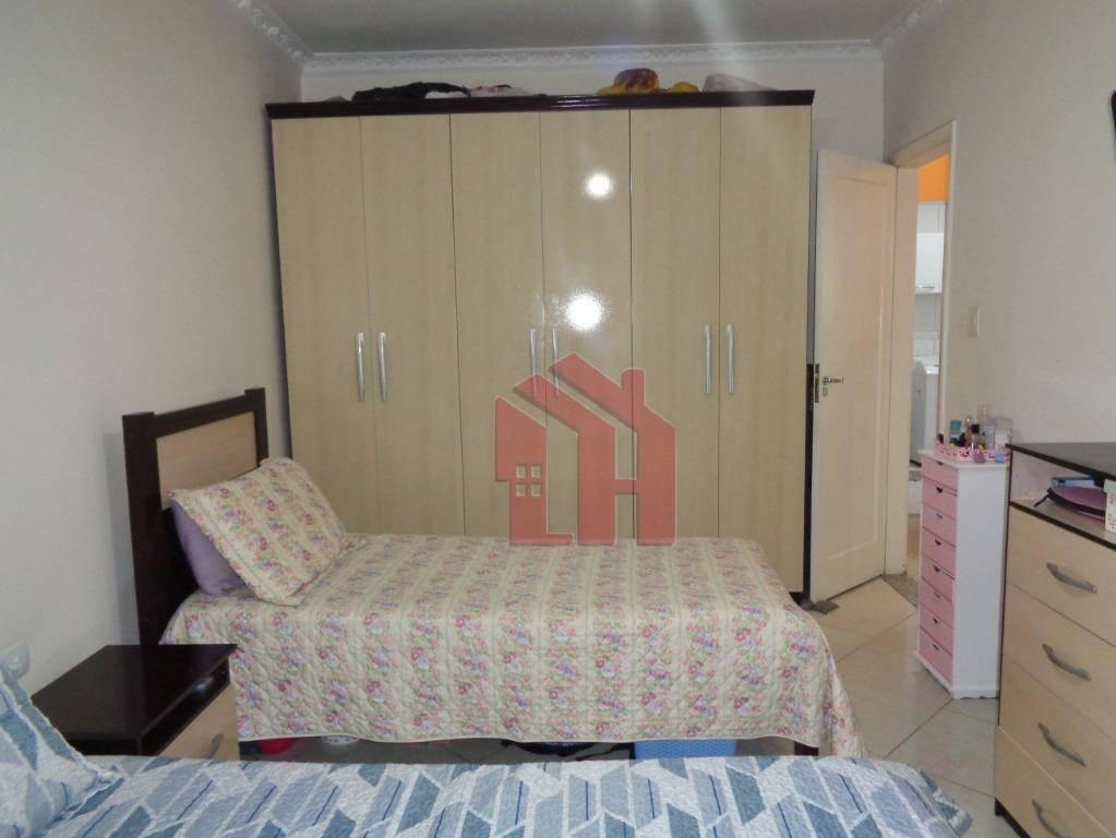 Apartamento - 2 dormitórios - Encruzilhada - Santos