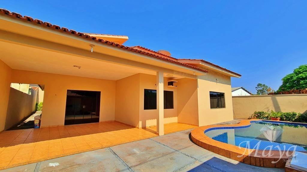 Casa 4 Quartos, sendo 2 Suítes, 220 m² c/ piscina à venda na 108 Norte