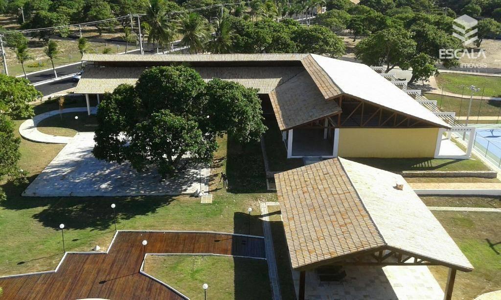 Lote alto padrão À venda em Pindoretama. Condomínio fechado, infraestrutura completa de lazer e segurança. Financia.