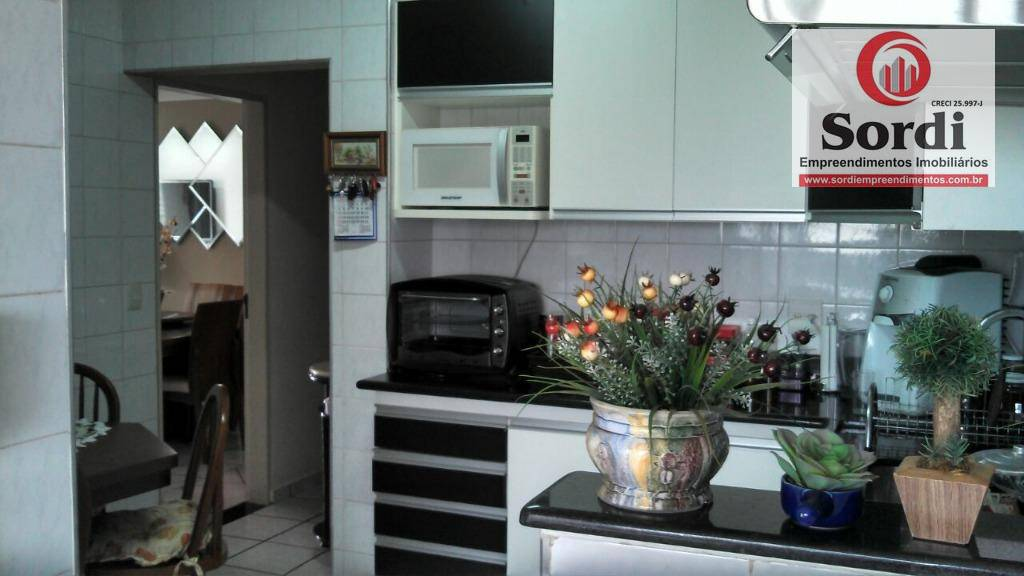 Apartamento com 3 dormitórios à venda, 107 m² por R$ 380.000