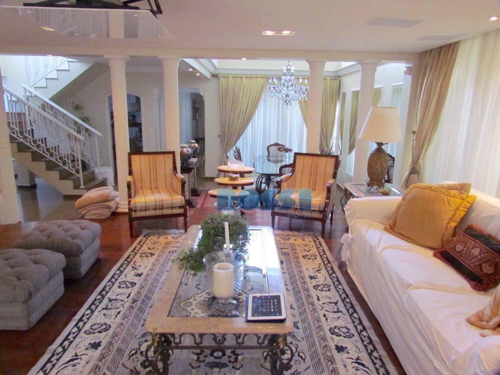 sobrado contendo 3 dormitórios planejados, 3 suítes, 6 wcs total, 04 salas com armários planejados, cozinha...