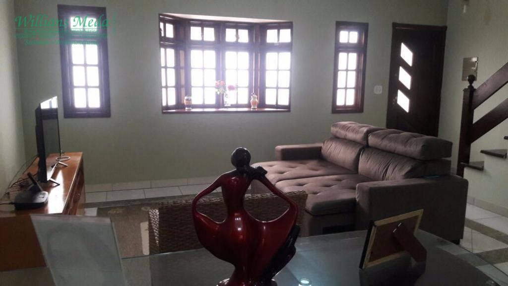 Sobrado em condomínio fechado à venda, 3 dormitórios. Cidade Brasil, Guarulhos.