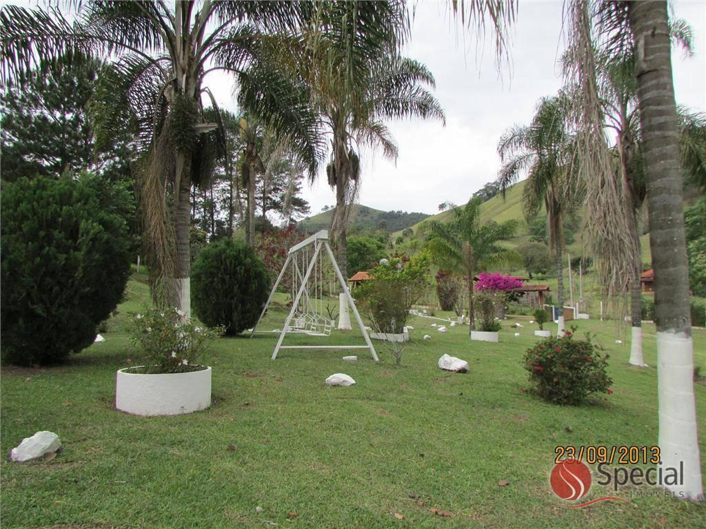 Chácara de 3 dormitórios à venda em Centro, Itapeva - MG