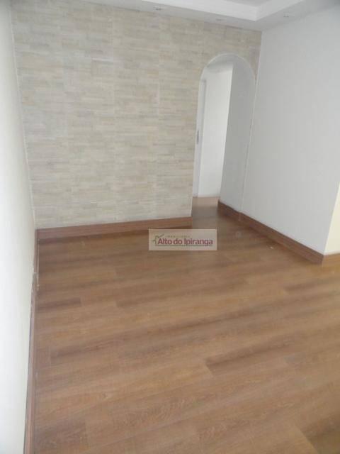 Apartamento de 2 dormitórios à venda em Vila Gumercindo, São Paulo - SP
