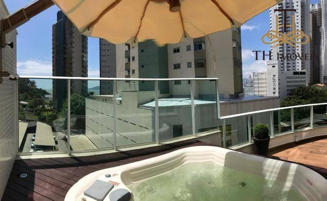 Apartamento Diferenciado com Jacuzzi,  3 dormitórios, mobiliado, decorado e equipado nos Pioneiros em Balneário Camboriú