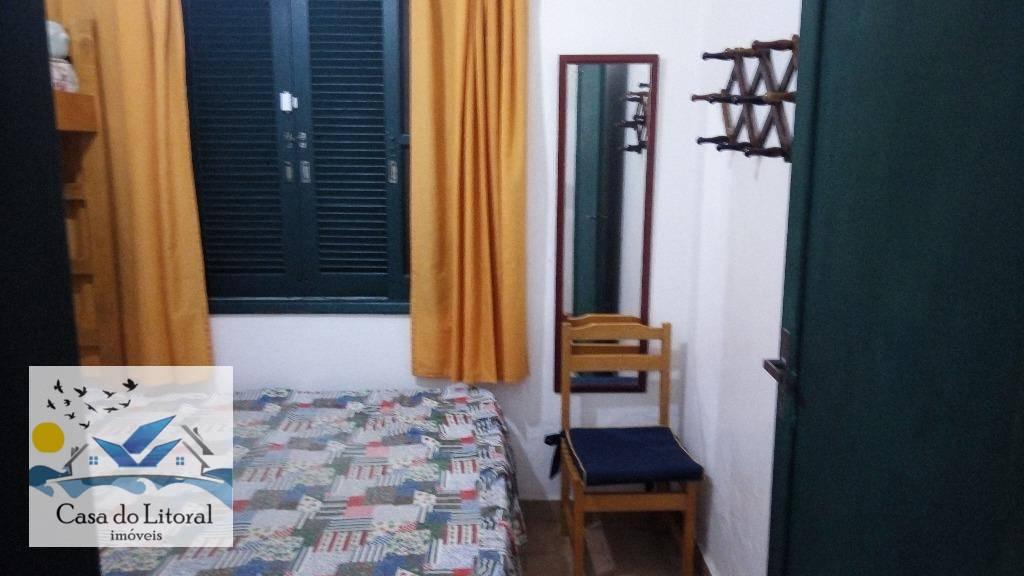 lindo imóvel com 2 frentes, uma para cada rua, com 4 dormitórios sendo duas suítes, cozinha...