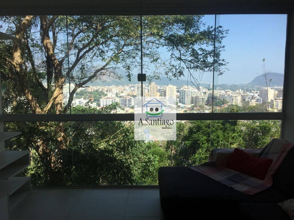 Casa Moderna em condomínio centro da Freguesia