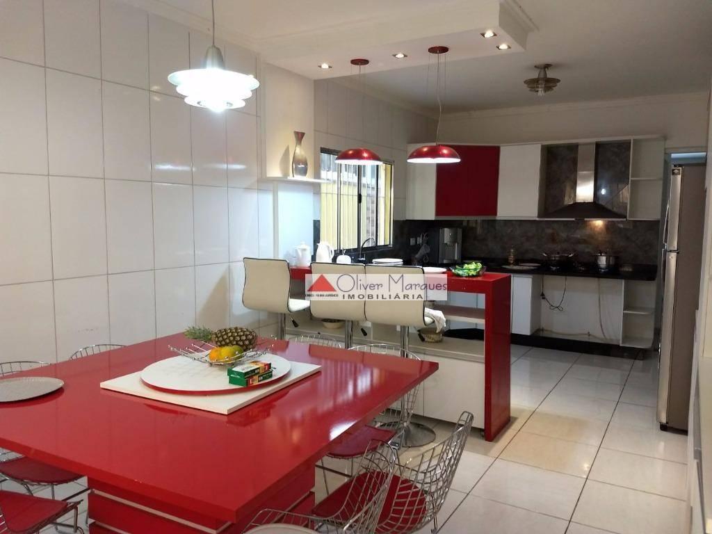 Sobrado com 3 dormitórios à venda, 200 m² por R$ 600.000  Rua Dona Maria Emília Neves Ferro Silva, 526 - Padroeira - Osasco/SP