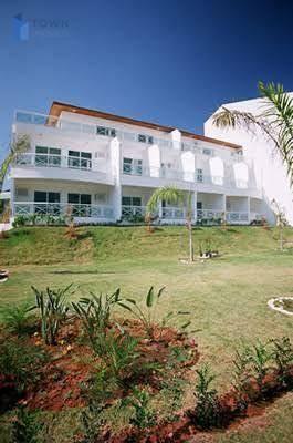 Flat com 1 dormitório para alugar, 54 m² por R$ 930,00/mês - Itaipu - Niterói/RJ