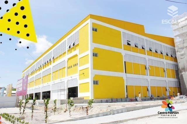 Lojas e box à venda no Centro Fashion Fortaleza.  Financia.
