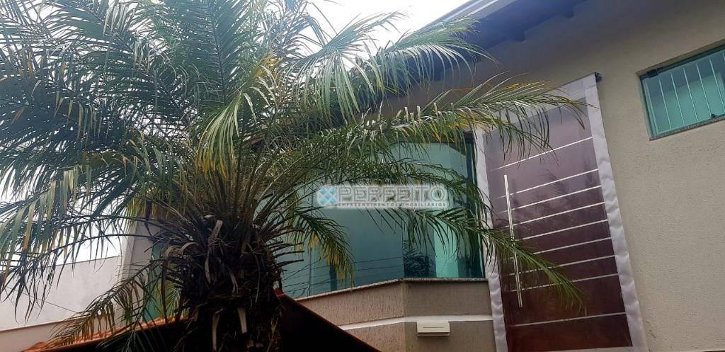 Casa com 4 dormitórios à venda no Jardim Nápoles em Londrina, 395 m² por R$ 845.000