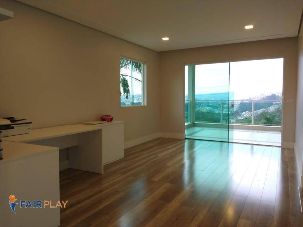 Casa 320m m de Area Construida 4 Suites 6 Vagas