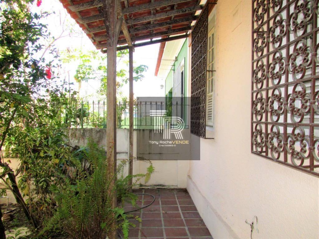 Casa 2 Quartos, 2 Vagas e Anexo - Fonseca