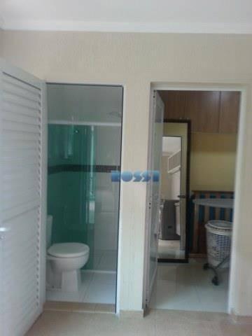 piso superior: 03 dormitórios com planejados02 suítes + banheiro socialcloset no quarto do casalbanheira dupla com...