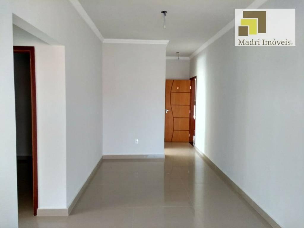 Imobiliária Madri Imóveis vende apartamento no Jardim Maria do Carmo, Sorocaba.