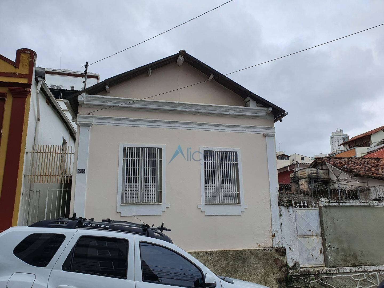 Casa com 2quartos para alugar, 74 m² por R$ 1.500/mês - Granbery - Juiz de Fora/MG
