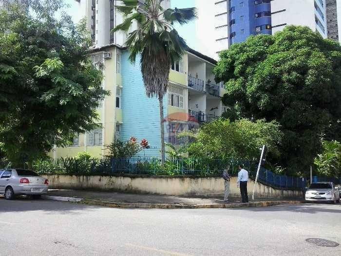 Apartamento com 3 dormitórios à venda, 80 m² por R$ 220.000 - Casa Amarela - Recife/PE