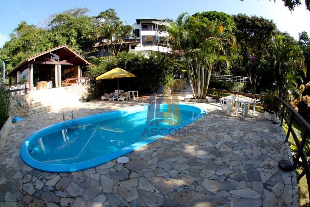 Casa com terreno em altura privilegiada com belíssima reserva de mata atlântica e vista panorâmica da Baia Sul, São José!