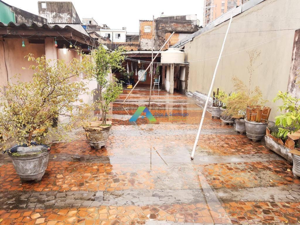 Sobrado 165 m² com 2 dormitórios, , edicula em cima com imenso quintal tipo varanda