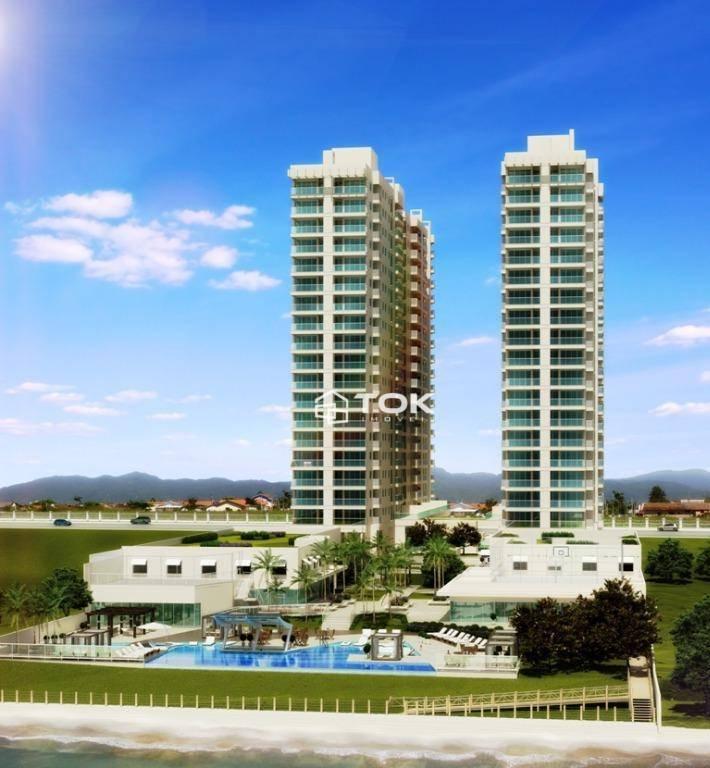 Apartamento 4 Dormitórios,Mobiliado e Decorado,Climatizado,Pronto para Morar ,Frente Mar,Balneário Piçarras,SC.