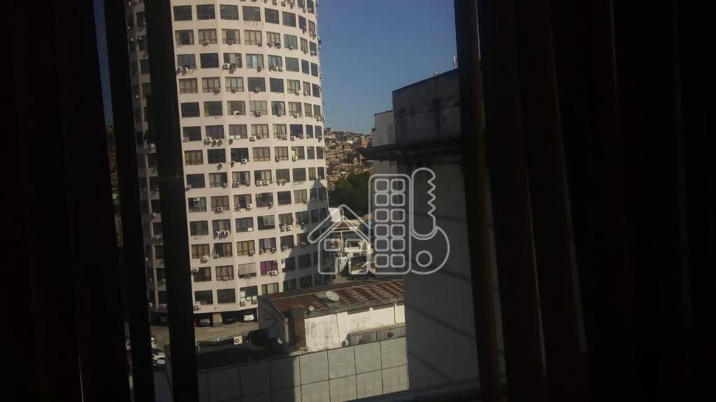 Kitnet com 1 dormitório para alugar, 26 m² por R$ 600,00/mês - Centro - Niterói/RJ