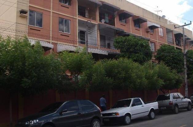 Apartamento com 2 dormitórios para alugar, 70 m² por R$ 600,00/mês - Montese - Fortaleza/CE