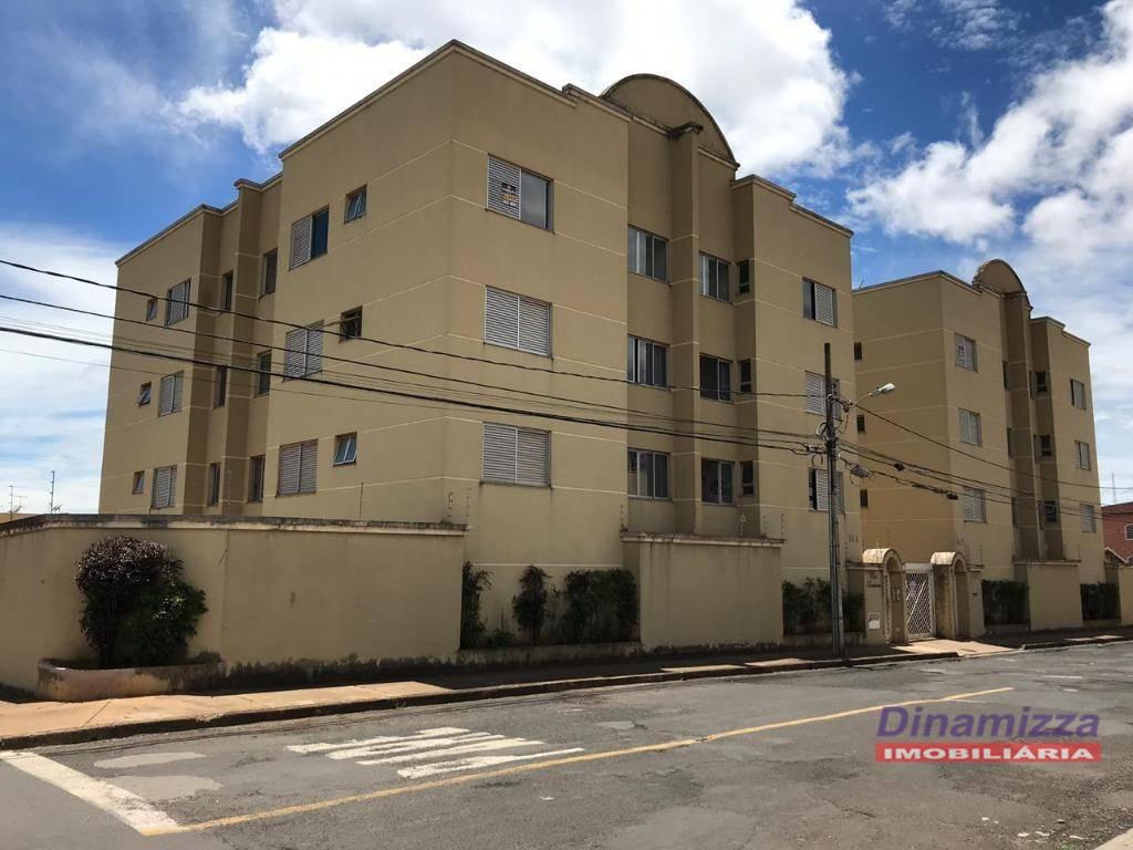 Apartamento com 2 dormitórios para alugar - Universitário - Uberaba/MG